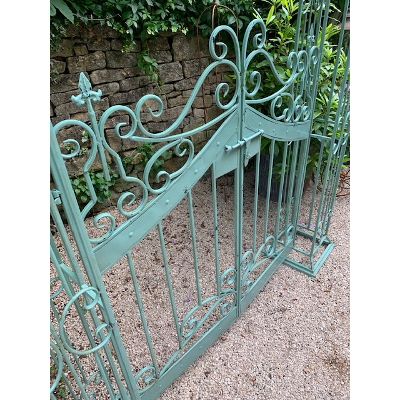 Eau De Nil Arch and Gates