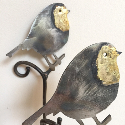 Robin Feeder with Bronze Breast